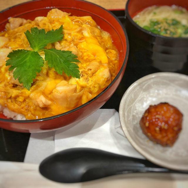 鶏 三和 親子丼 鶏そばセット @守谷SA